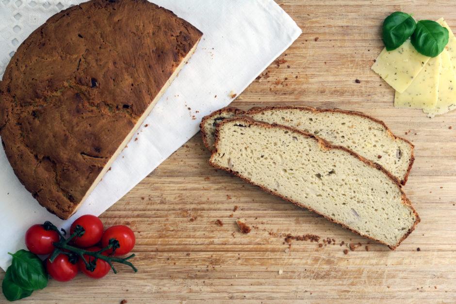 Zwiebel-Schafskäse-Brot