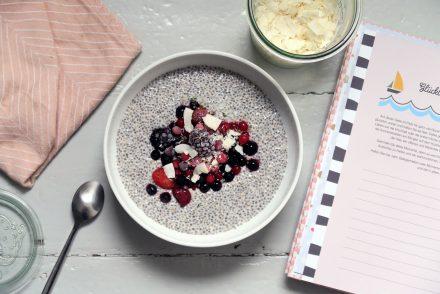 Chiapudding mit Beeren - lecker, glutenfrei und vegan