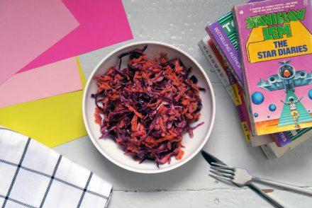 Rotkohlsalat mit Joghurt-Mohn-Dressing